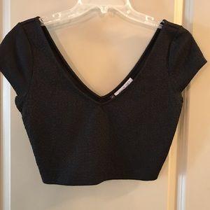 V-neck short sleeve crop top